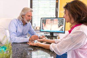 Hand- und Nageldiagnostik